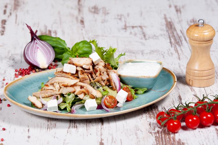 Gyros saláta