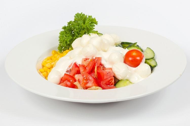 Mozzarella saláta