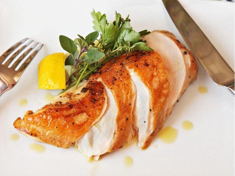 Vajban pirított Sous-vide supreme csirkemell